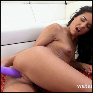 Apolonia – Magic wand vibrator – Full HD-1080p, Vibrators, Teen, Solo, Brunette, Anal, BlowJobs (Release December 12, 2016)