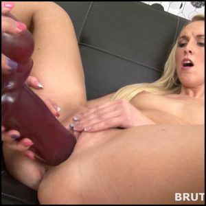 BrutalDildos Jenny and Lilith – Full HD-1080p, Toys, Lesbian, Anal, BlowJobs, Solo (Release December 10, 2016)