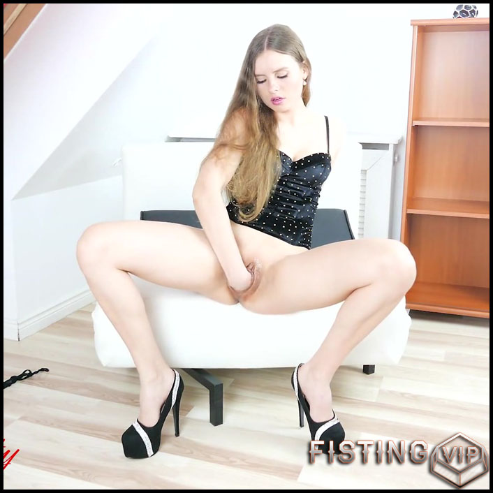 dream-pussy-full-hd-1080p-giant-dildo-toys-solo-fisting-release-december-27-2016