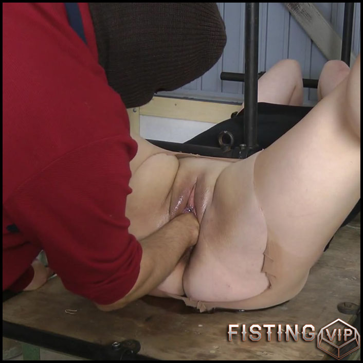 fist-in-pussy-with-amateurextreme-full-hd-1080p-anal-and-vaginal-fisting-release-december-25-2016