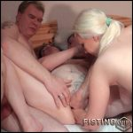 Hammer foursome with fucking and fisting with Alexas18 – Full HD-1080p, oral, anal, gruppensex, dildo, Fisting (Release December 25, 2016)