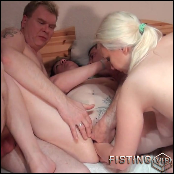 hammer-foursome-with-fucking-and-fisting-with-alexas18-full-hd-1080p-oral-anal-gruppensex-dildo-fisting-release-december-25-2016