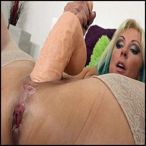 I Love That Stretch  – Full HD-1080p, Fisting, Deep, Insertion, Dildo, Extreme (Release December 10, 2016)