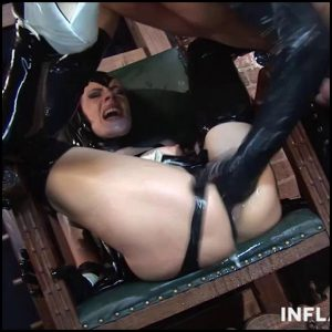 Latex Girl With Big Tits Gets Used – Full HD-1080p, Fisting, Deep, Insertion, Dildo, Extreme (Release December 07, 2016)