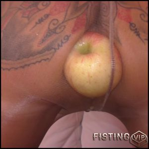 MaryBitch Big Apple Gaping Pee with AngelAlpha- Full HD-1080p, Apple, Solo, fisting (Release December 22, 2016)