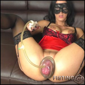 Pussy pumped and fucked by machine with MACHINE-BITCH – Full HD-1080p, Fisting, Big Toys, anal and vaginal fisting (Release December 22, 2016)