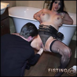 Russian anal slut Bella hard anal fisting in the bathroom – Full HD-1080p, anal and vaginal fisting, Hardcore (Release December 29, 2016)