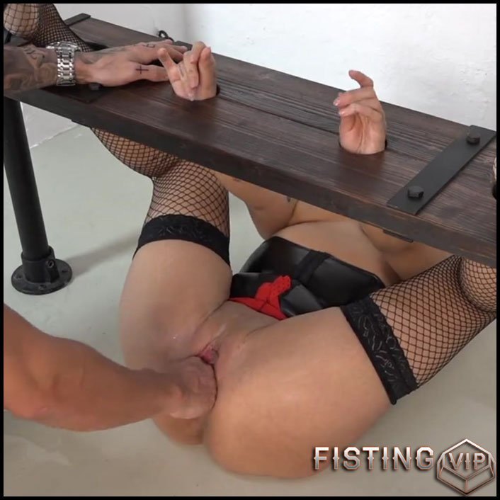 samira-is-fisted-full-hd-1080p-anal-and-vaginal-fisting-extreme-fisting-hardcore-fisting-release-december-27-2016