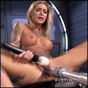 ALT Bombshell Gets the Best Fuck of Her Life – HD-720p, Sex Machine, Anal, Toys (Release January 25, 2017)