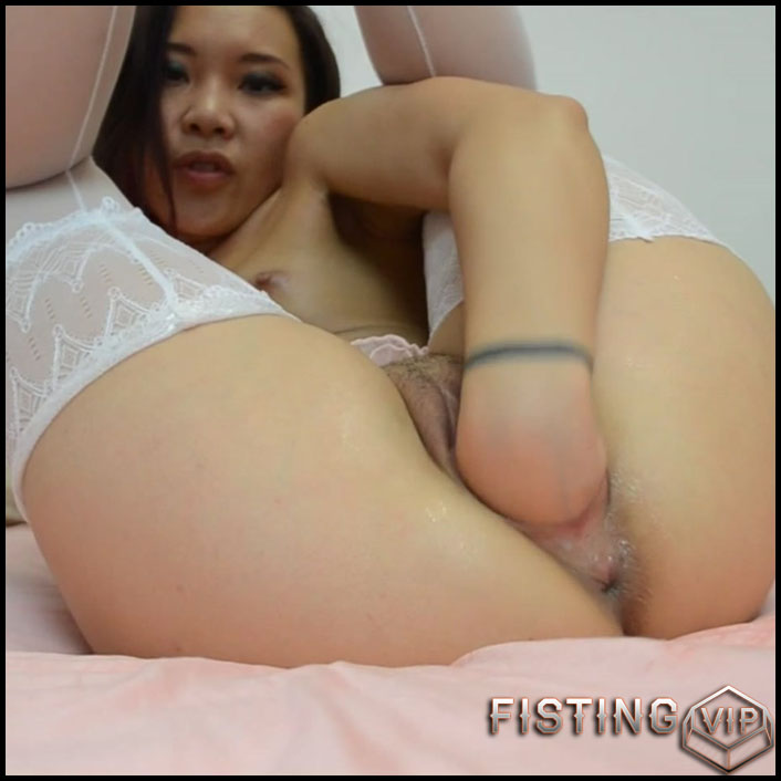 asiandreamx-pussy-fisting-posing-full-hd-1080p-solo-anal-fisting-release-january-7-2017