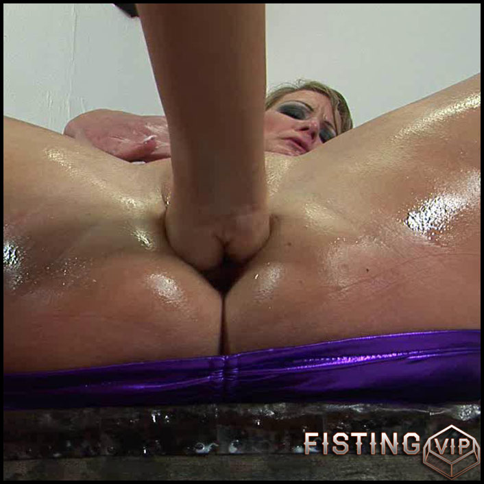 big-hand-in-big-vagina-hd-720p-all-sex-toys-dildo-fisting-anal-release-january-4-2017