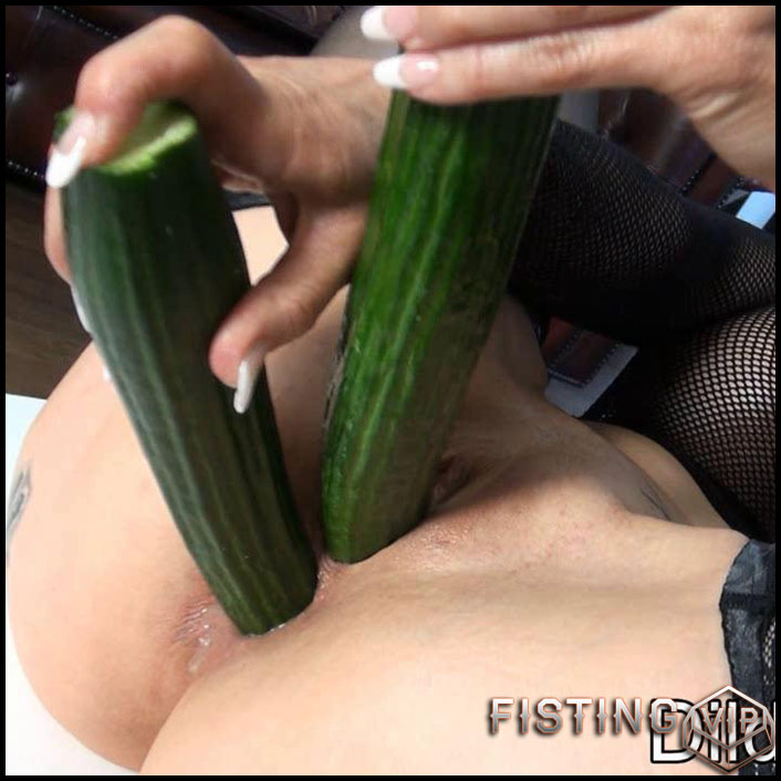 dildoaffairs-michaela-cucumber-hd-720p-fisting-objects-insertions-big-toys-release-january-4-2017