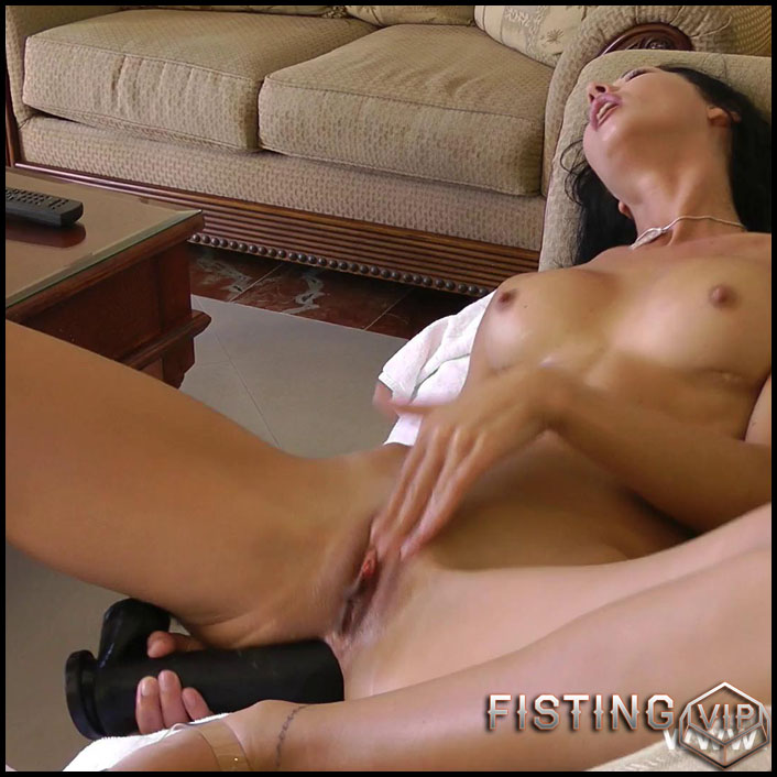 Extreme play in couch - Full HD-1080p, Fisting, Dildo (Release January 21, 2017)
