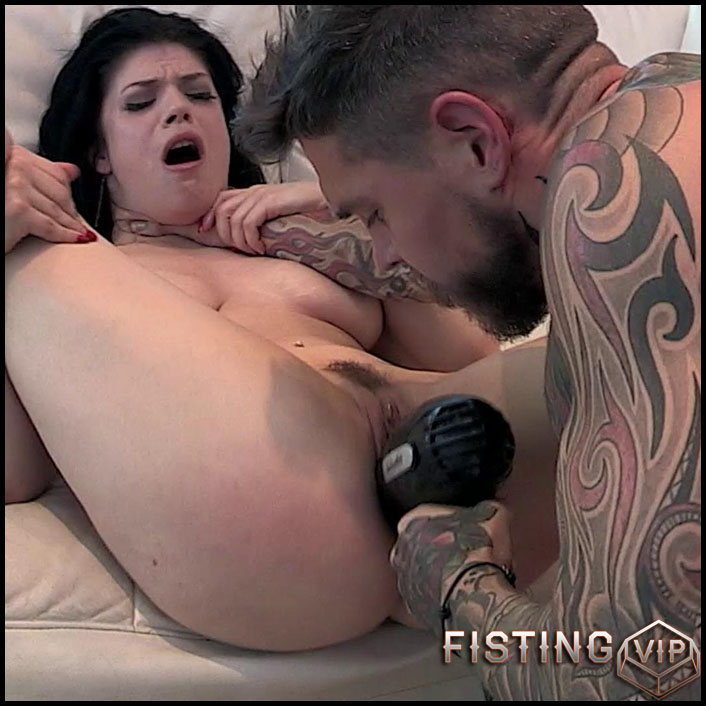hairdresser-lucia-love-full-hd-1080p-anal-toys-masturbation-anal-and-vaginal-fisting-release-january-4-2017