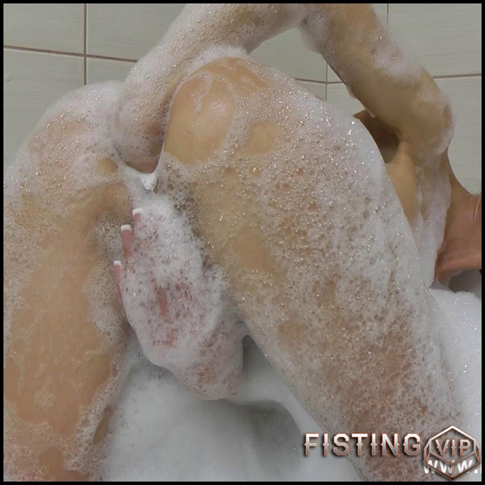 Hot Bath Prolapse - Full HD-1080p, Fisting, Insertion, Dildo (Release January 28, 2017)