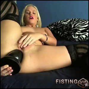 InteractiveCamshow 11 – HD-720p, Fisting, Dildo, Toys, Masturbation (Release January 28, 2017)