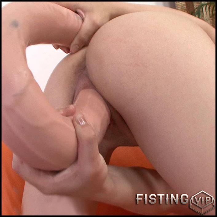 Lina Big - Full HD-1080p, Big Toys Dildo, Masturbation (Release January 22, 2017)