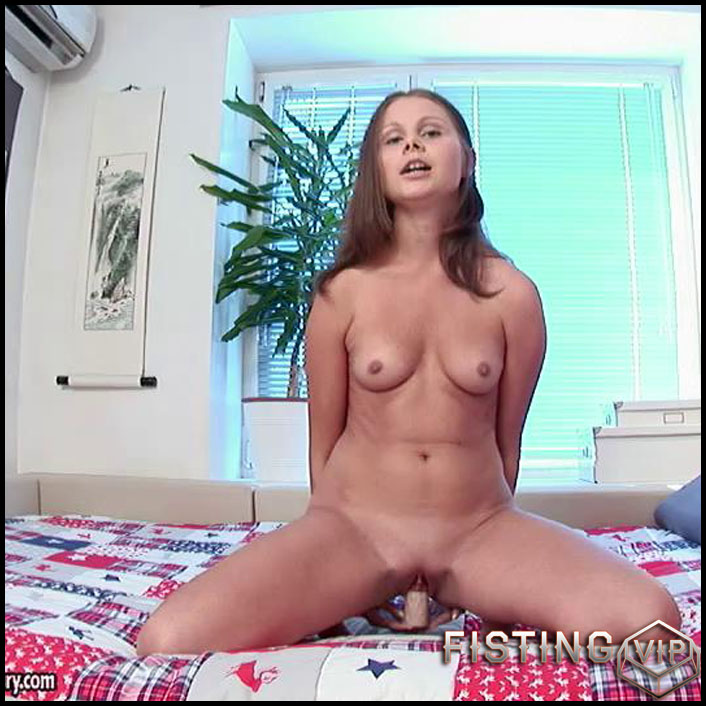 Lizzie Shay - HD-720p, Toys, Masturbation, Teen, Solo (Release January 23, 2017)