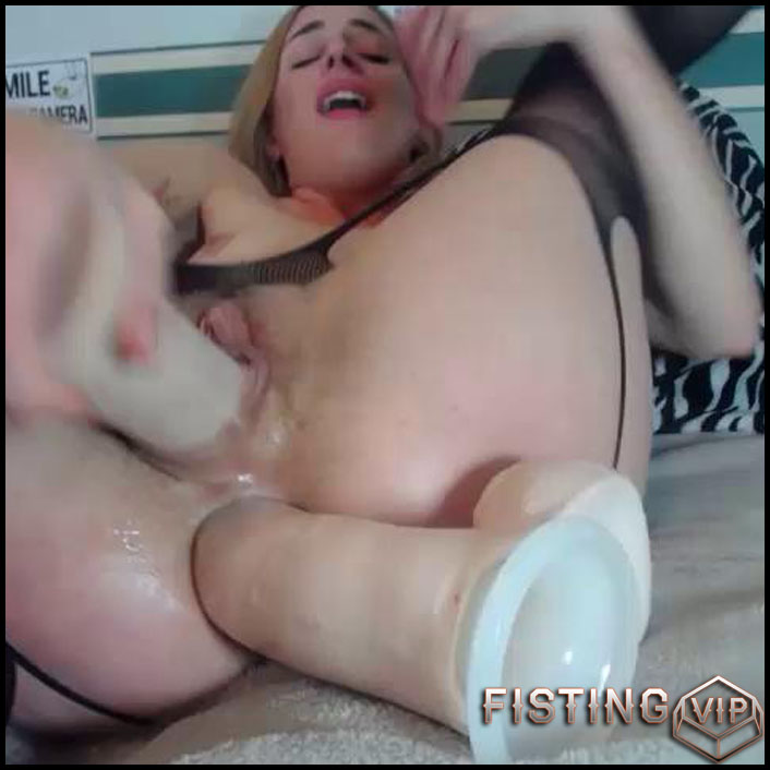Maxeengreen Double Dildo - HD-720p, double fisting, Anal Toy, Solo, Fisting (Release January 21, 2017)