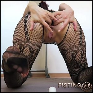 Mylene – Ping-pong balls Fisting Prolapse – Full HD-1080p, Prolapse, Fisting, Solo (Release January 23, 2017)