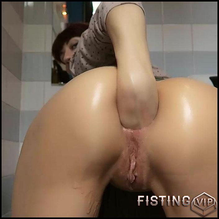 fisting-more-masla