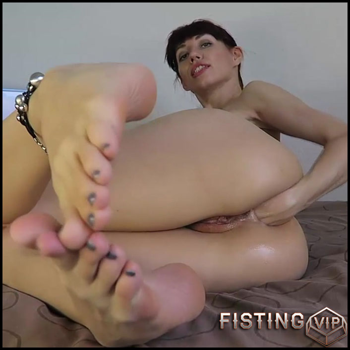 Mylene - Watching porn fisting my asshole - Full HD-1080p, Anal, BlowJobs, Fisting (Release January 29, 2017)