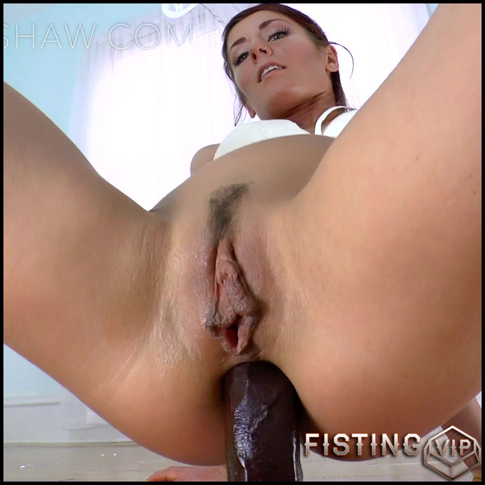 SheenaShaw - SnowBunny and her Big Black Carrot - Full HD-1080p, Anal, Giant Dildo, Toys, Solo (Release January 25, 2017)