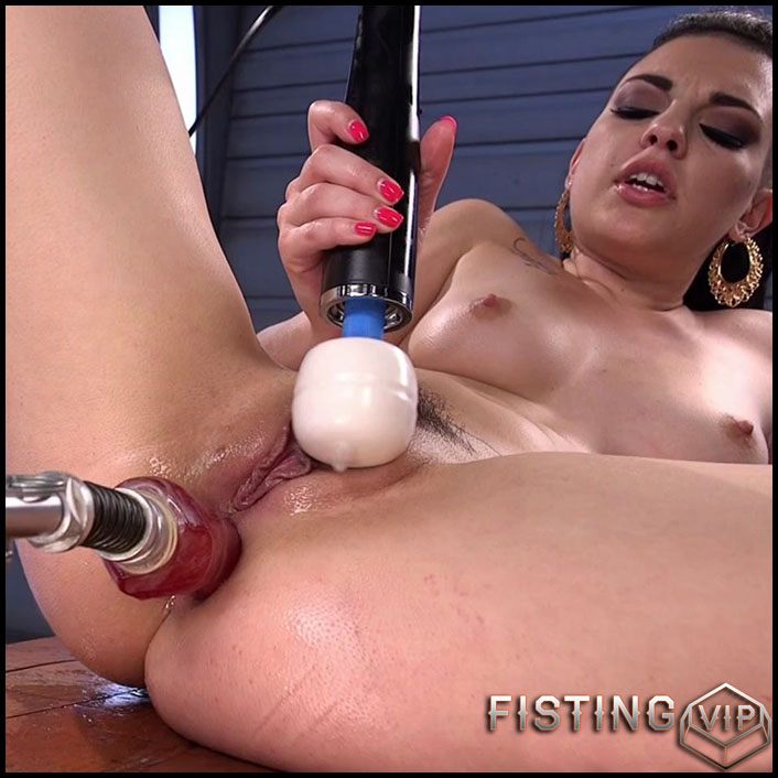 So Much ANAL That She Squirts - HD-720p, Sex Machine,Vibrator, Anal (Release January 29, 2017)