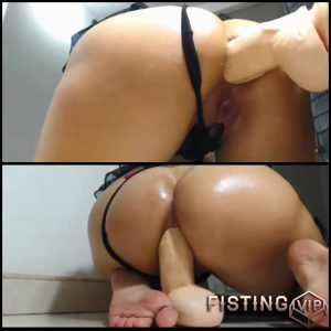 Show webcam dangling fist big tits preview
