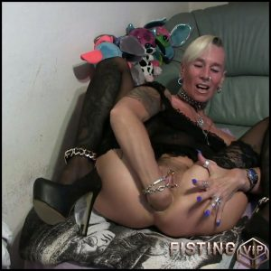 ANAL Fist and pissed about with lady-isabell – Full HD-1080p, Anal, extreme fisting, hardcore fisting (Release February 8, 2017)