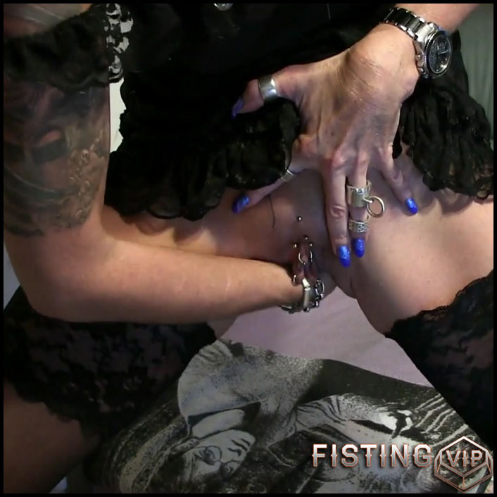 ANAL Fist and pissed about with lady-isabell - Full HD-1080p, Anal, extreme fisting, hardcore fisting (Release February 8, 2017)1