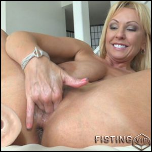 Alysha Alysha Just A Warmup 4 part – Full HD-1080p, MILF, Anal, Fisting, Solo, Toys, Public Nudity (Release February 26, 2017)