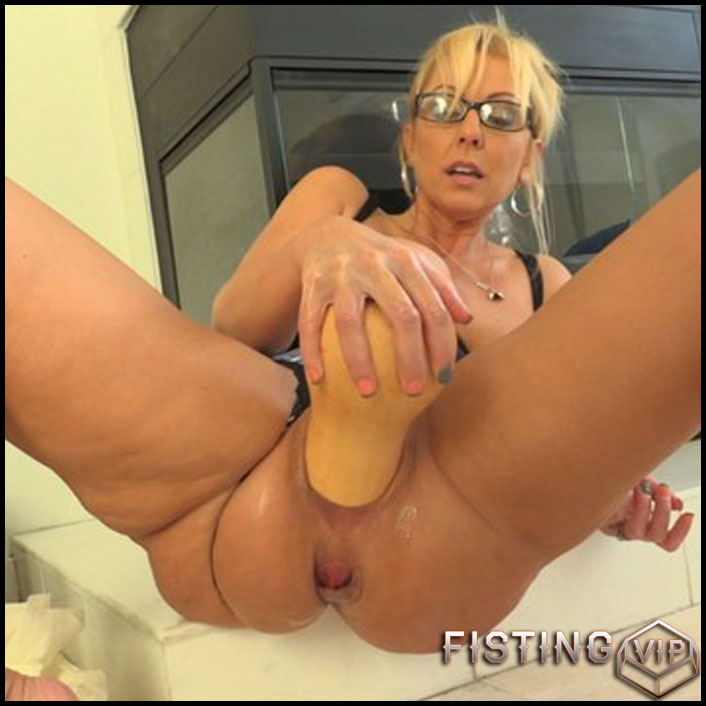 Alysha Kinky Extremes 7 part - Full HD-1080p, AnalToys, Anal Fisting, Fruit Stuffing (Release February 26, 2017)2