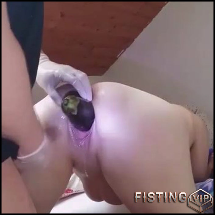 Amateur homemade gaping double fisting - Anal Fisting, Fruit Stuffing (Release February 27, 2017)