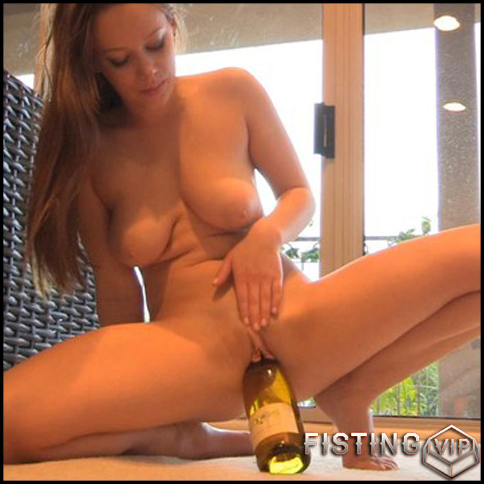 Big bottle in the wet pussy - Full HD-1080p, Toys, Lesbian, Anal, bottle (Release February 26, 2017)1
