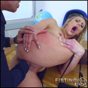 Brittany Bardot – The Submissive Sub – Full HD-1080p, Oral Sex, All Sex, Anal Sex, Fisting (Release February 4, 2017)
