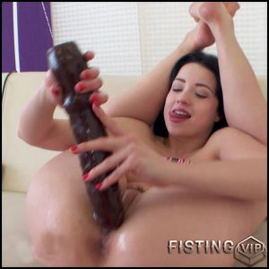 BrutalDildos – TAISSIA SHANTI – Full HD-1080p, Sex Machine, Giant Dildo, Toys, Solo, Anal (Release February 5, 2017)