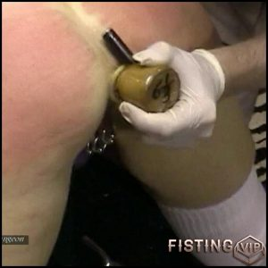 Bum Hole Stretch – HD-720p, fisting video, fisting tube, anal fisting (Release February 5, 2017)