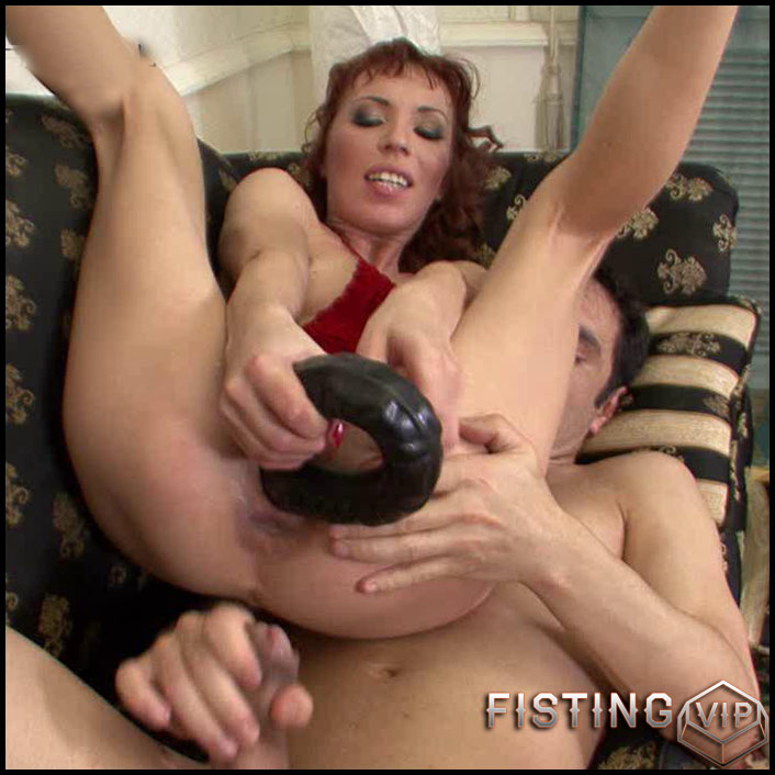 Antynia rouge earns some heels worship