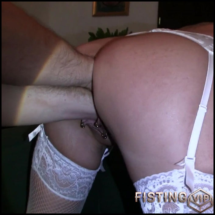 Doubles fist from bull with lady-isabell - Full HD-1080p, double fisting, Anal (Release February 8, 2017)