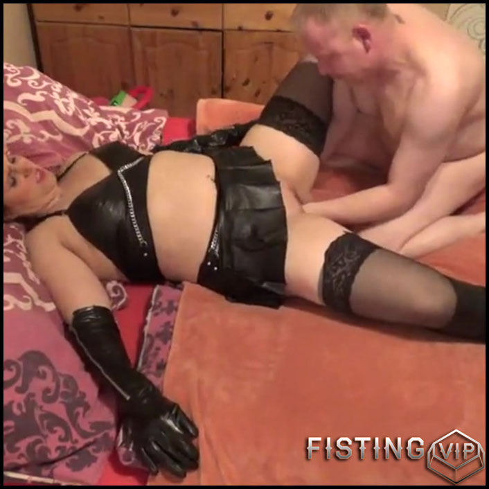 Fisting blow horny in leather - Full HD-1080p, Anal, BlowJobs (Release February 11, 2017)