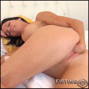 Lynn 2 part – Full HD-1080p, Anal, BlowJobs, Anal Toy, Vibrator (Release February 3, 2017)
