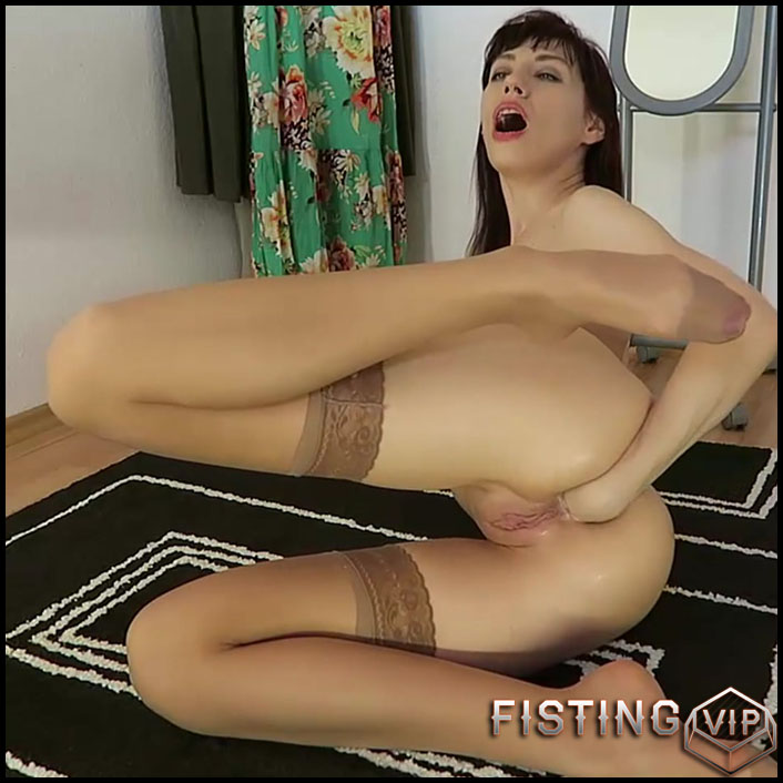 Mylene - Big butt plug huge dildo fuck facial - Full HD-1080p, Anal, BlowJobs, dildo (Release February 2, 2017)