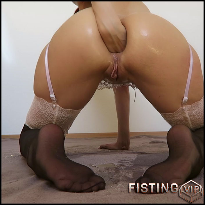 Mylene - Fisting Peeing Toying Prolapsing - Full HD-1080p, Giant Dildo, Toys, Solo, Anal (Release February 5, 2017)1