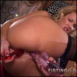 Perfect blondie masturtbating – double fisting, Toys, Solo (Release February 7, 2017)