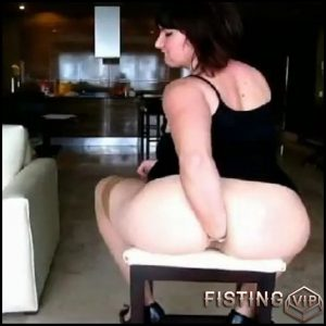 Roxana – German amateur anal fisting – Solo, fatty girl, Anal Fisting (Release February 19, 2017)