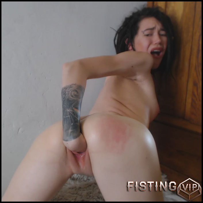 Sasha - Chocking Fisting Hitachi Inside - Full HD-1080p, Solo, Anal Fisting (Release February 28, 2017)
