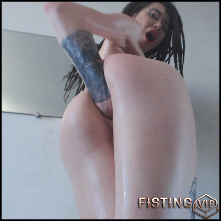 Sasha - Eggplant and Hard Double Fisting - Full HD-1080p, AnalToys, Anal Fisting, Fruit Stuffing (Release February 28, 2017)1