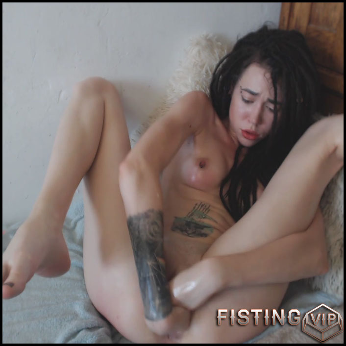 Sasha - Eggplant and Hard Double Fisting - Full HD-1080p, AnalToys, Anal Fisting, Fruit Stuffing (Release February 28, 2017)2