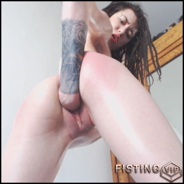 Sasha - Play Harder Become Wider - Full HD-1080p, Anal, anal play, Solo (Release February 28, 2017)